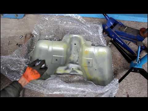 Замена экрана топливного бака на Range Rover Evoque 2,2 Ленд Ровер Эвок 2011 года 2часть