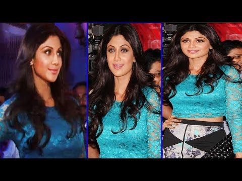 Shilpa Shetty in Blue & Black Dress looks STUNNING at an event. thumbnail