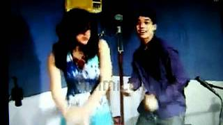 julielmo - Teach me how to Dougie. Ustream  09/18/11