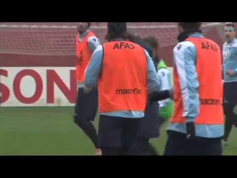 AZ-aanvoerder Nick Viergever kreeg eerder dit seizoen rood tegen Roda JC