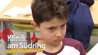 Tobi (6) rastet aus: Er hasst Deutschunterricht!   Klinik am Südring - Die Familienhelfer   SAT.1 TV