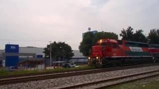 Ferromex SD45 3197 con la Ferromex SD40-2 3139 mixto pasando por las Juntas Tlaquepaque Jalisco