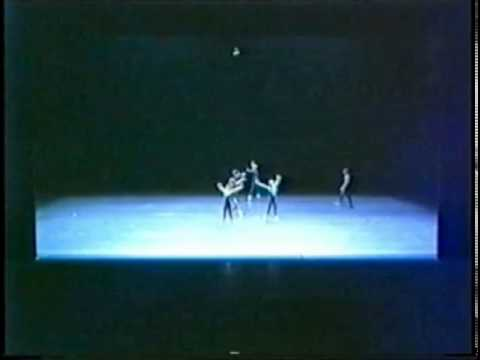 Ballett Frankfurt, In the Middle Somewhat Elevated, Laura Graham in lead lady solo