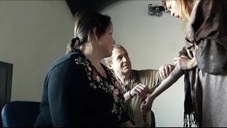 Обучение обезболиванию в гипнозе и проверка на добровольцах в обычном состоянии.