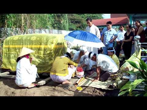 Đi chôn đám ma Bác 4 Gái Bà Lang