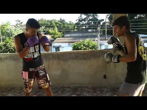 video caseiro de luta livre.