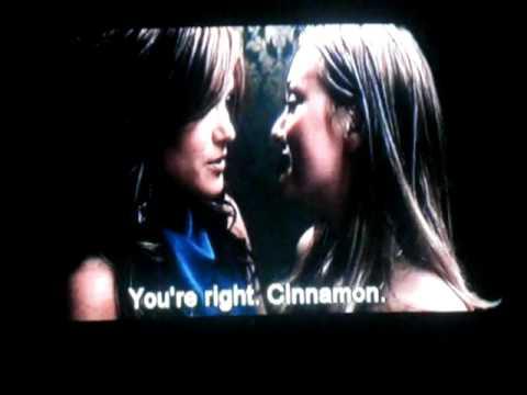 Leighton Meester Lesbian Kiss
