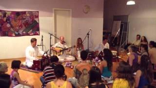 SURYA YOGA Jaraguá do Sul/SC - RECITAL DE MANTRAS com Vimalakotih e Banda Traya