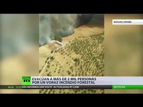 Evacuan a más de 2.000 personas por un incendio forestal en España