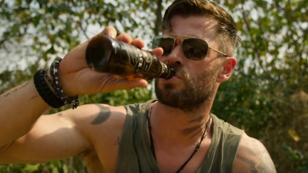 Extraction 2020 Chris Hemsworth Drinking Beer And Jumping Into Water Movie Clip Hd Youtube