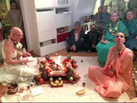 Iniziazione Jaya Gauranga das & Para Prakriti dd