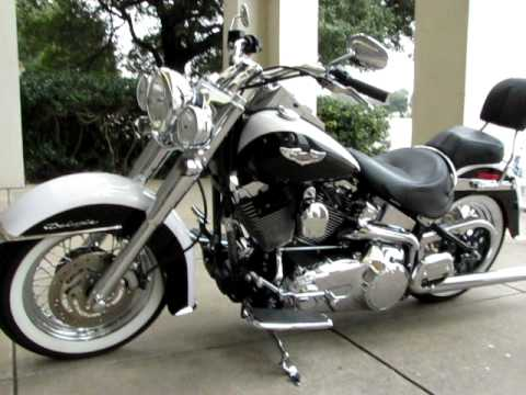 Harley Davidson Softail Deluxe Dual Exhaust