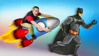 Прикольные видео - Супергерои и Бэтмен летят на Луну? – Новые игры для мальчиков на Фабрике Героев.