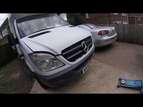 How to remove the headlight Mercedes Sprinter \\ Как снять переднюю фару Mercedes Sprinter