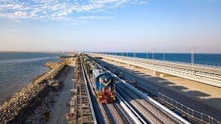 Съехавший пролёт железнодорожной части Крымского моста достали из воды