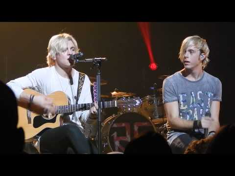 R5 (talking + acoustic song) - Reading, PA - November 26, 2014