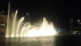 Dubai dancing fountains, amazing violin