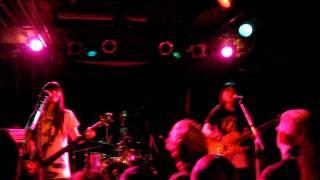 Shonen Knife aka Osaka Ramones - Sheena/KKK/Blitzkrieg Bop - Live 2011