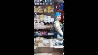 Продавец мочит коры. Суперржач. Казахстан Петропавловск