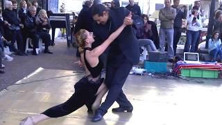 Аргентинское Танго в районе Сан-Тельмо Буэнос - Айреса, Аргентина. 2012 год.