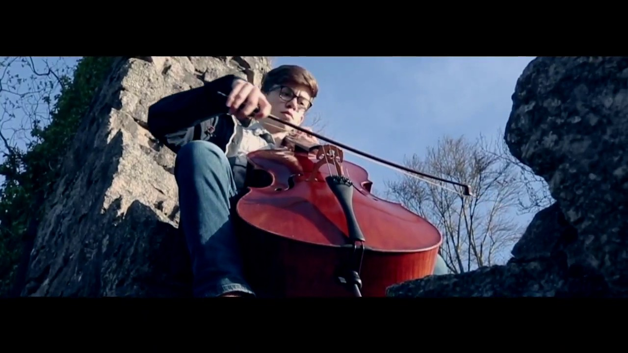 Cellists Playing Game of Thrones Theme Is Goddamned ...