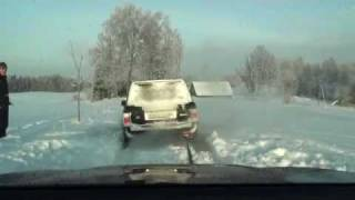 BMW x6 and Landcruiser trying to save  Range Rover  from snow, Part 1.