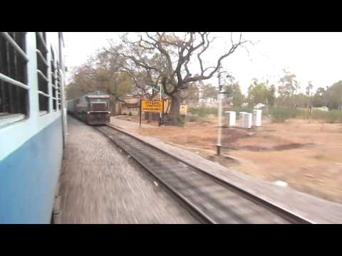 11013 Mumbai LTT-Coimbatore Express Overtaking at Chakarlapalli - 11Feb2012