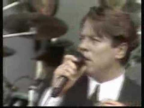 Robert Palmer & The UB40 horn section Addicted to Love