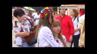 В Ивано-Франковске состоялся забег в вышиванках - Чрезвычайные новости, 25.08(, 2014-08-26T09:41:17.000Z)