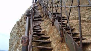 Sri Lanka Sigiriya climbing on Lion Rock