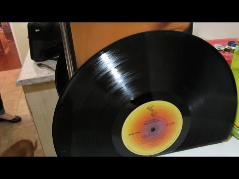 How To Create Cool Bookends Out of Old Records – DIY Home Tutorial – Guidecentral