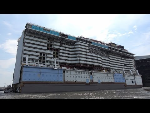 4K | Float out SPECTRUM OF THE SEAS megablock gone wrong | Hitting the harbour wall