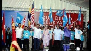 Stop idolising man who stole billions, Anwar tells Malaysians