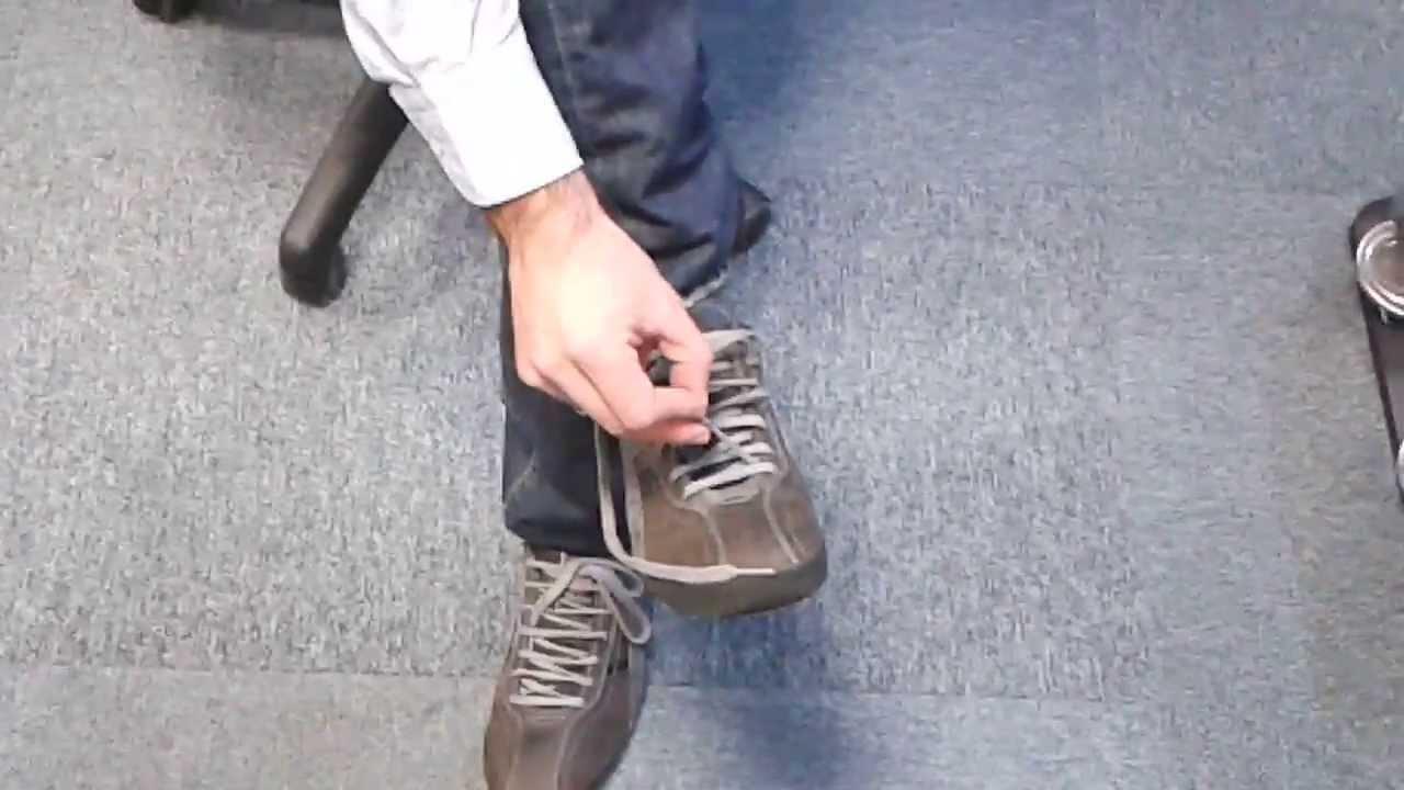 Resultado de imagen de atarse los zapatos una sola mano