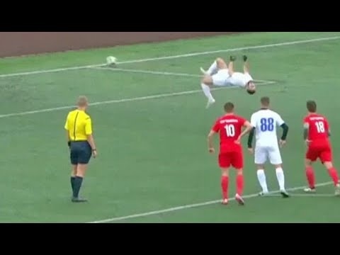 Brian Fink - Soccer Player Scores Amazing Penalty Kick With Back Flip [VIDEO]