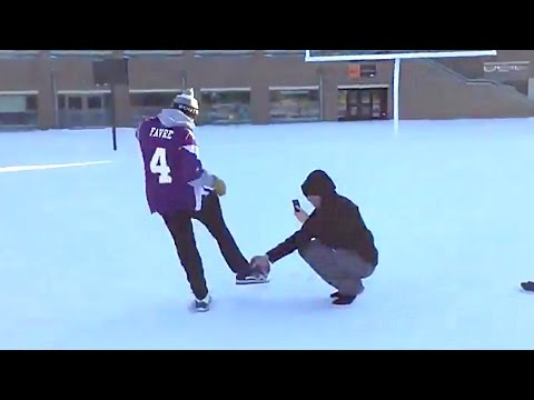 Vikings Fan Trolls Blair Walsh, Makes 27 Yard Field Goal