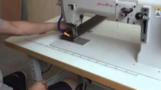 Těžký stroj s barelový chapač pro šití kůže a dřevo