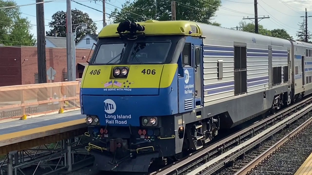 PM rush hour diesels and sauerkraut at New Hyde Park. 6/19/20