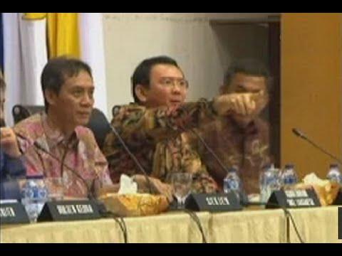 Cuplikan Video Rapat Mediasi Ahok Dengan DPRD DKI - Ahok Marah Dan Ngamuk