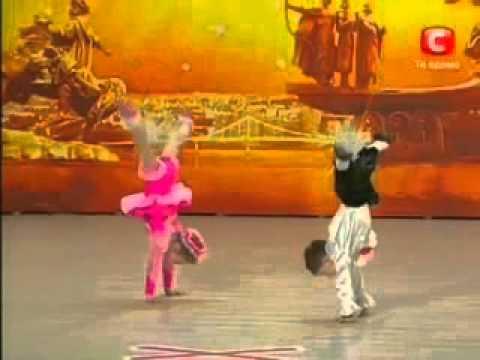 crianças dançando ballet demais!!!! os melhores!!!! thumbnail