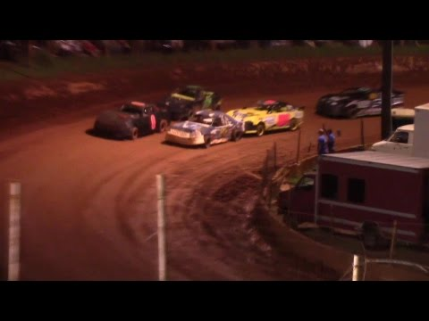 Wnder Barrow Speedway Advanced Four Cylinders Feature  8/29/15