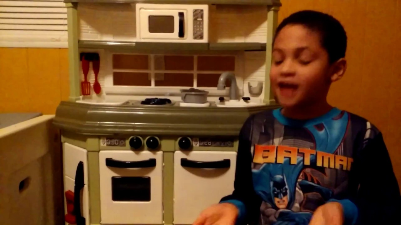 american plastic toy cookin' kitchen review - youtube