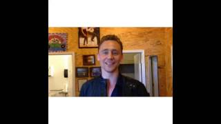Tom Hiddleston at Wheatland Music Festival. Greeting for a fan