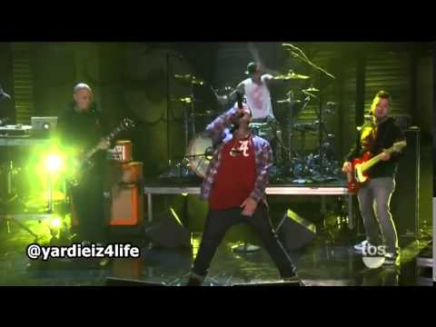 Yelawolf    Let's Roll feat  Travis Barker live on 'Conan'