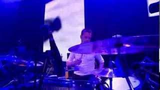 U2 - One (Live at Glastonbury 2011) HD 720p