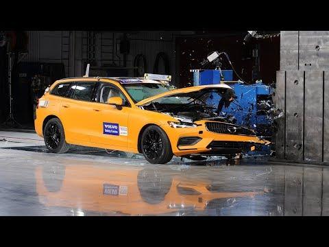 Volvo V60 Small Overlap Crash Test (Volvo Safety Centre)