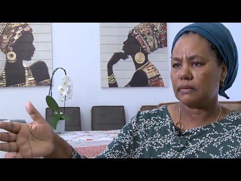 'הוצאתי את הסכין מהבטן והעפתי אותו': האחות שנדקרה משחזרת לראשונה