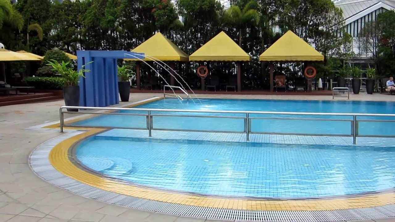 Marina mandarin hotel singapore pool tour youtube for Pool garden marina mandarin