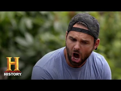 Kings Of Pain: Outrageous Python Bite Leaves Adam Bloody | Series Premieres Nov. 12 10/9c | HISTORY