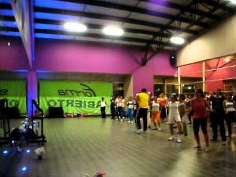 Clase de rumba gym forma camino real youtube for Gimnasio gym forma